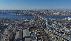 ドローン空撮全天球パノラマ写真東京湾とインターチェンジ